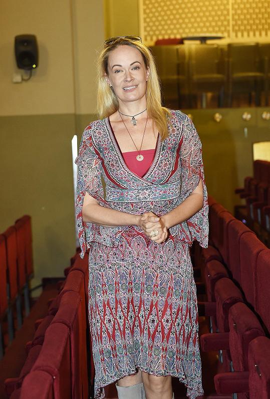 Alena Antalová na oprašovací zkoušce muzikálu