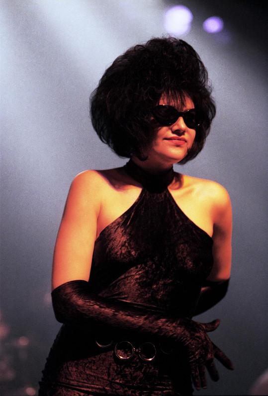 Ilona na scéně při jednom z turné po Francii