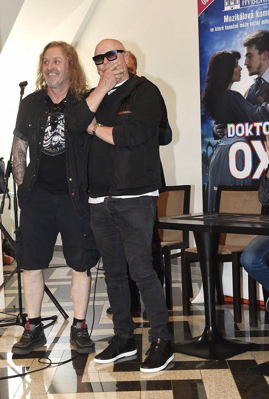 V hlavní roli muzikálu se bude alternovat s Jiřím Kornem.