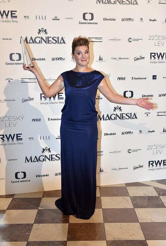 Lenka Krobotová si loni odnesla sošku za vedlejší roli.