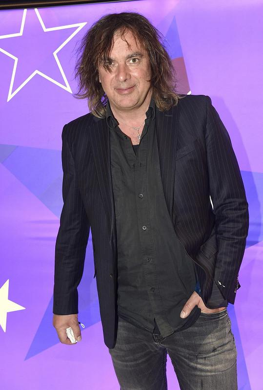 Takhle vypadá herec a moderátor dnes.