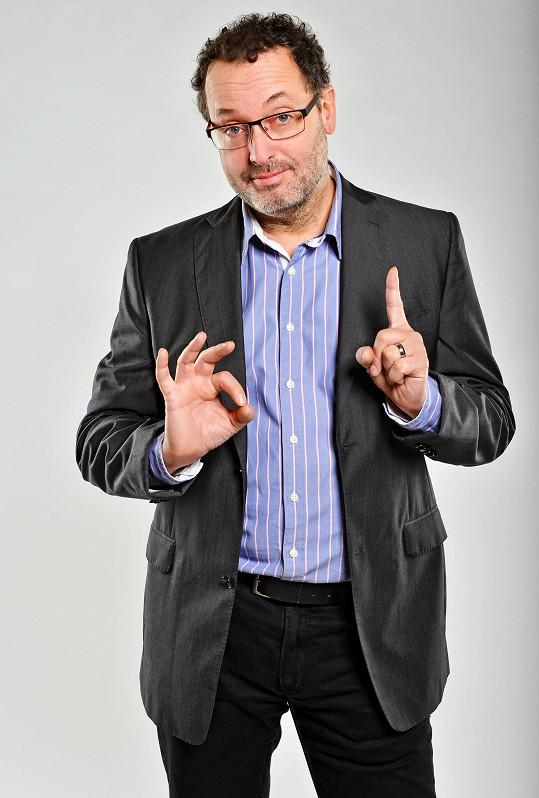 Josef Polášek hraje podpantofláka Leoše Trébla.