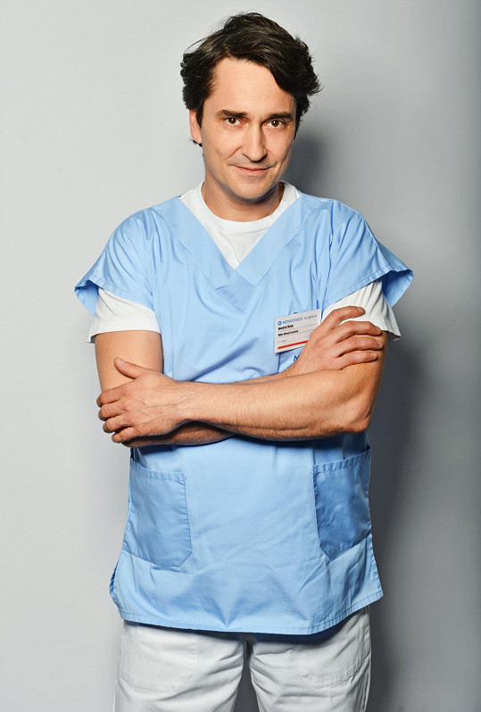 Saša Rašilov se objeví v roli traumatologa MUDr. Tomáška.