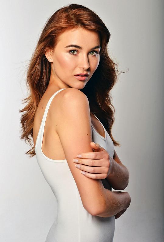 Finalistka České Miss 2018 Jana Šišková na profilové fotce Jana Tůmy.