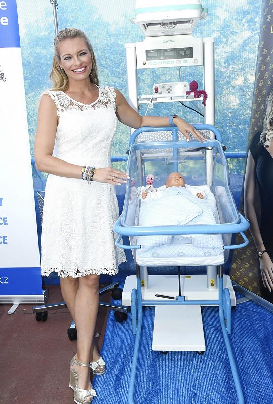 Lucie je patronkou neonatologického oddělení Nemocnice Na Bulovce.