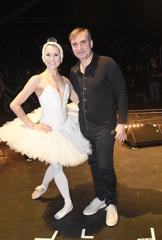 MIG 21 s Jiřím Macháčkem doplnili vystoupení baletním číslem Nikoly Márové.