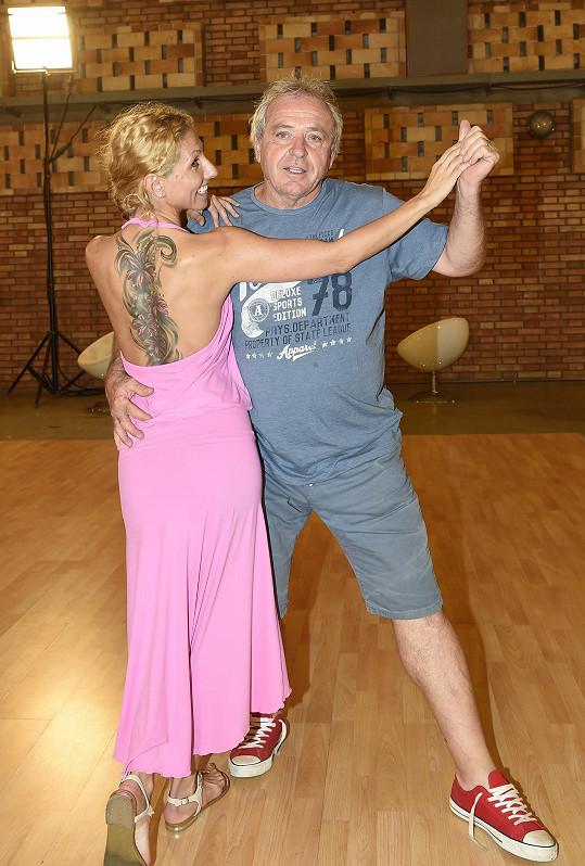 Eva Krejčířová v minulých ročnících tančila se sportovním komentátorem Jaromírem Bosákem a hudebníkem Ondřejem Brzobohatým.