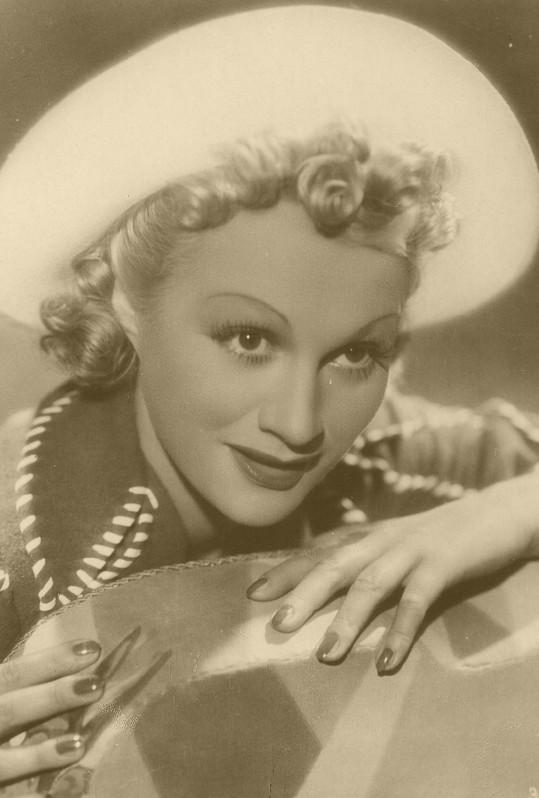 Adina Mandlová na dobové fotografii z roku 1938