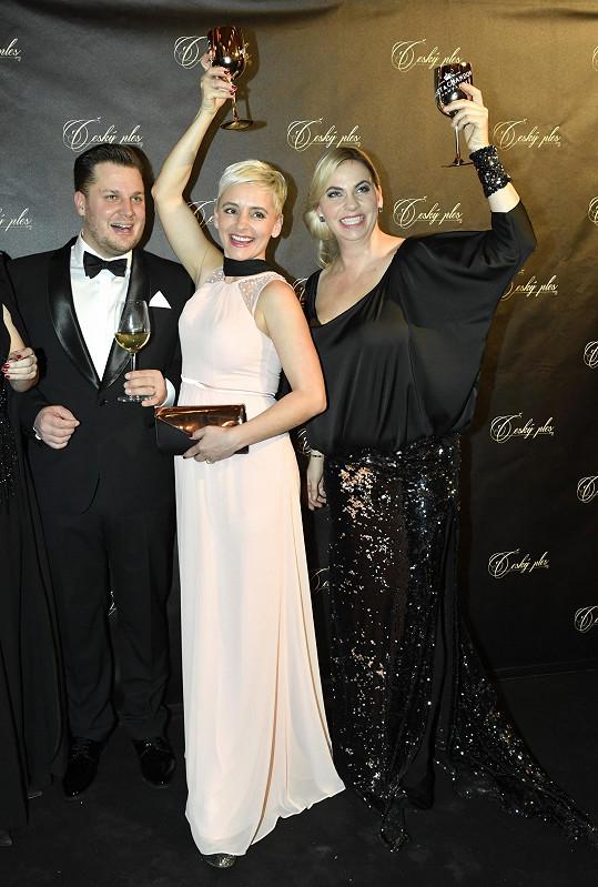Manželé s partnerkou Mirka Etzlera Helenou, která je také čerstvou maminkou.