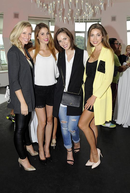 Modelky Veronika Kašáková, Tereza Budková, Andrea Kabická a Denisa Domanská