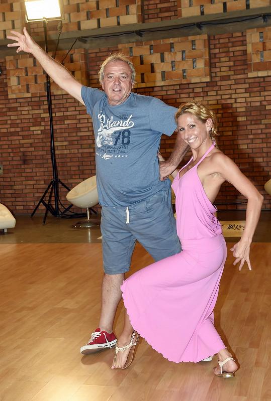 Fotbalista by díky tanci rád zhubl pod sto kilo.