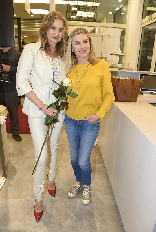 Leona s návrhářkou Jitkou Klett