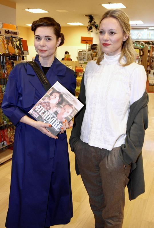 Kateřinu Winterovou znají televizní diváci z pořadu Herbář, kterým provází spolu s Lindou Rybovou.