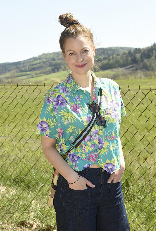 Hana Holišová je hvězdou Tváře i Ulice, ale zároveň hraje v brněnském divadle.