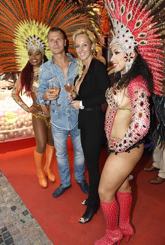 s manželem Vlastou Hájkem na výročí kubánského baru