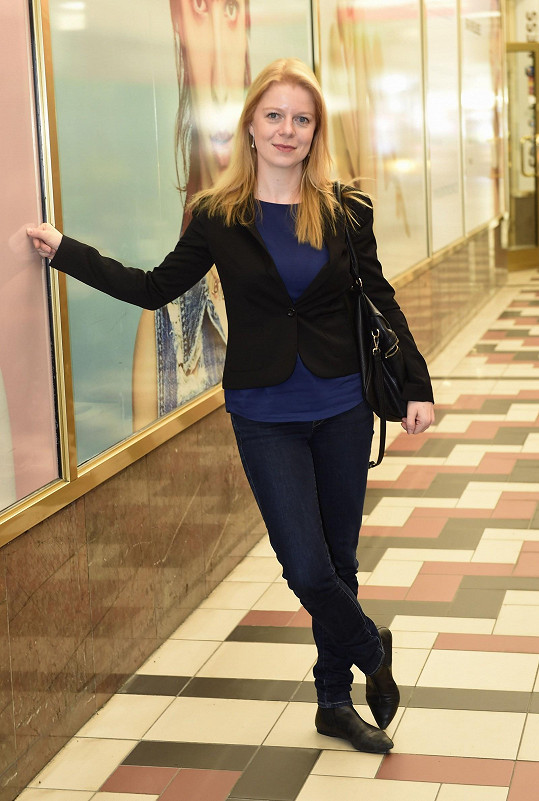 Monika je krásná žena.