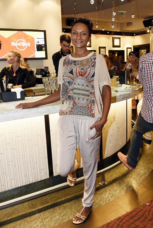 Lejla moderovala návštěvu Prahy majitele známého amerického řetězce kaváren Jamese E. Billieho, vůdce významného severoamerického indiánského kmene floridských Seminolů.