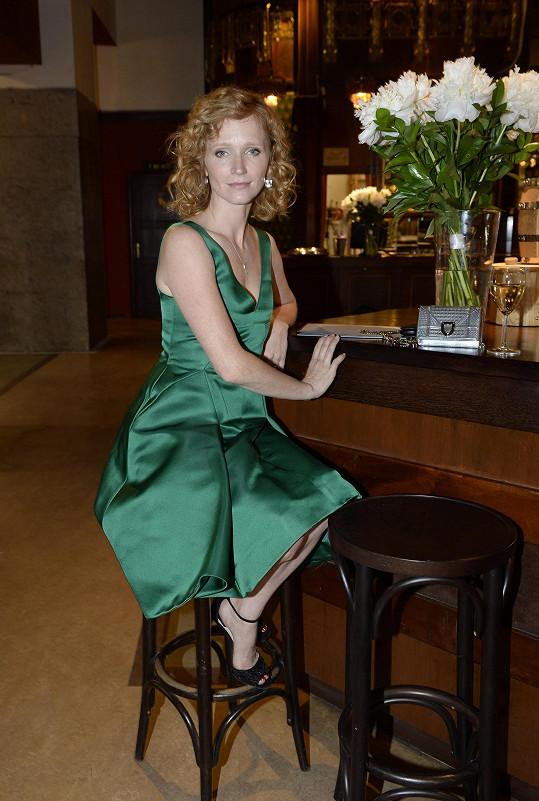 Svou úvodní řeč si prý herečka připravila pár minut před projekcí na baru.