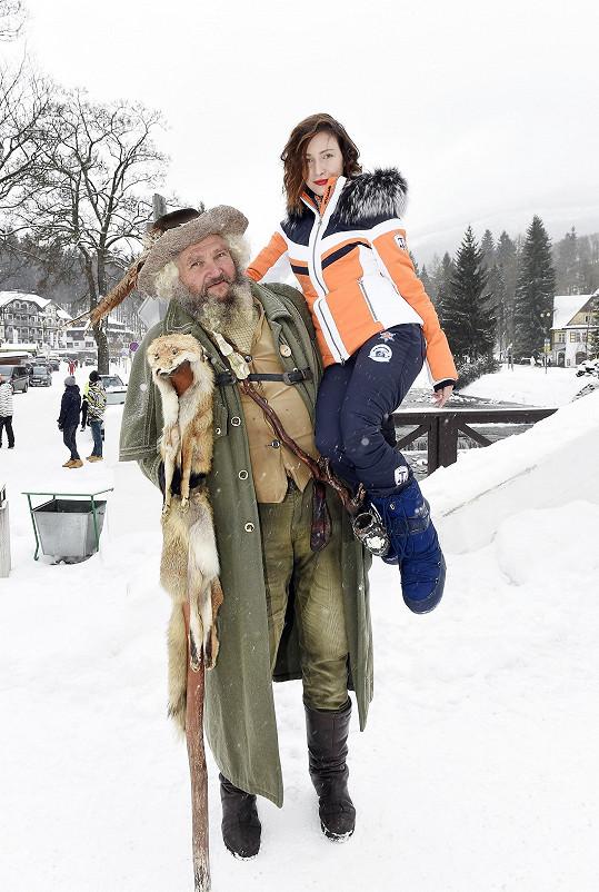 První letošní sníh si užila na openingu sezóny ve Špindlerově Mlýně i s Krakonošem.