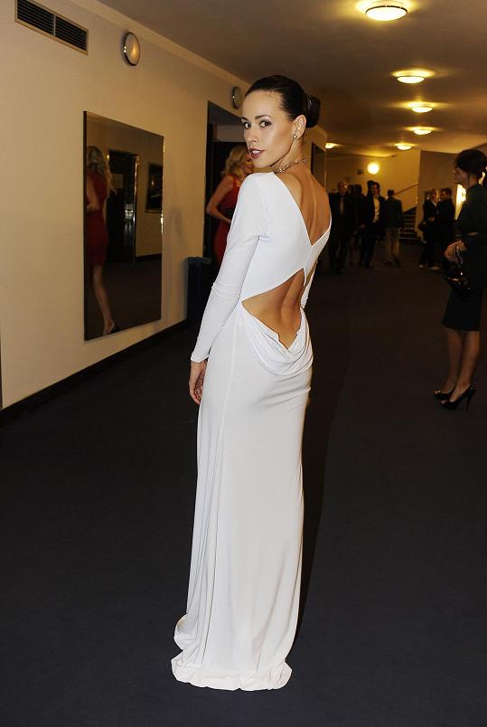 Kateřina zvolila na finále Miss Junior hodně odvážné šaty.
