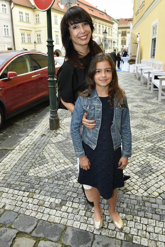 Na křest ji doprovodila dcera Saša.