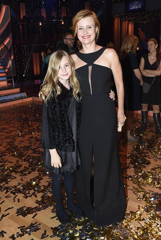 Jitka Schneiderová přišla s dcerou Sofií.