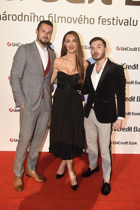 Taťána s přítelem a svým dvorním stylistou Samem Dolcem.