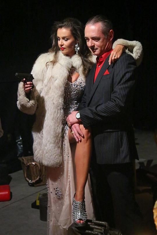 V minulém díle byla Kubelková zastřelena, tentokrát se zbraň objeví v její ruce.