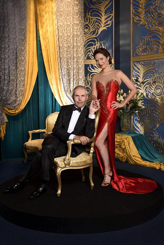 Kostková s Markem Ebenem na oficiální fotografii k osmé řadě StarDance