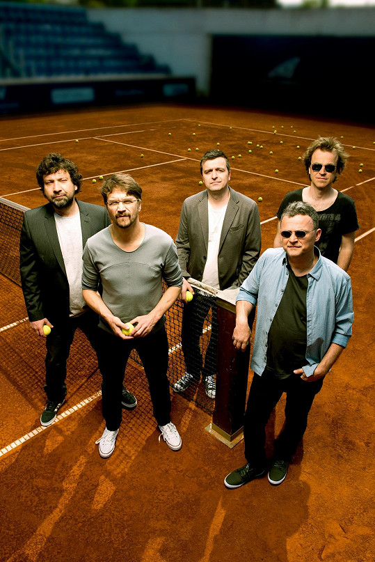 S kapelou Illustratosphere vyráží na turné.