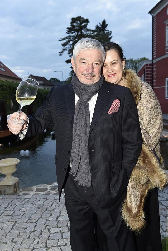 Martin exmanžel Vladimír Železný se současnou ženou Konstancií