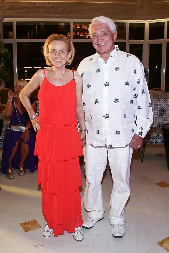 Hanka s manželem Jiřím Krampolem, kterého skolila viróza.