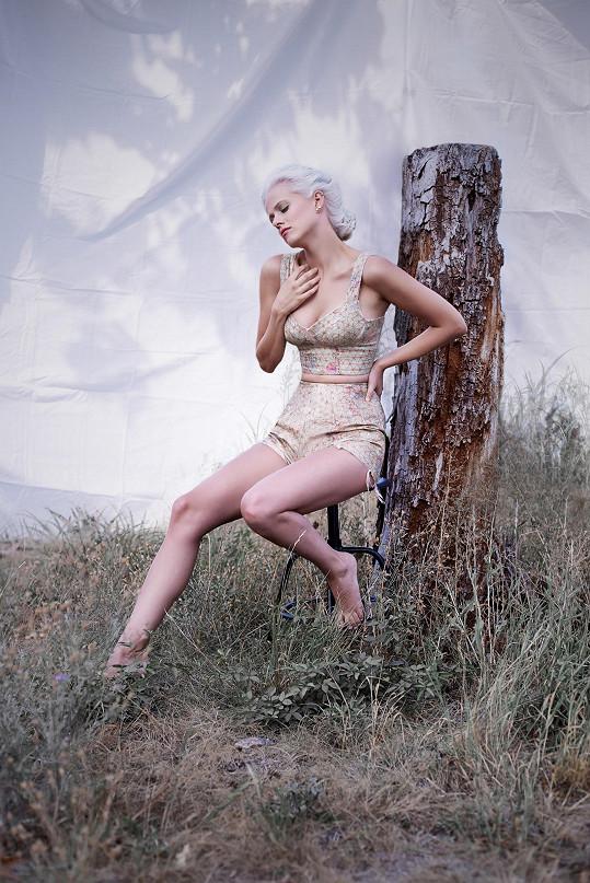 Modeling dělá Terezie jen pro zábavu a objevuje díky němu své ženství.
