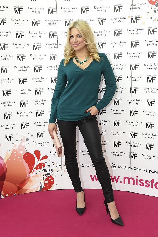 Eva byla v porotě soutěže Miss Face.