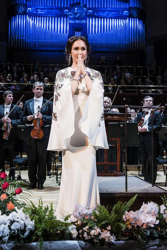 Přijetím českého publika byla tatarská sopranistka překvapená a dojatá.