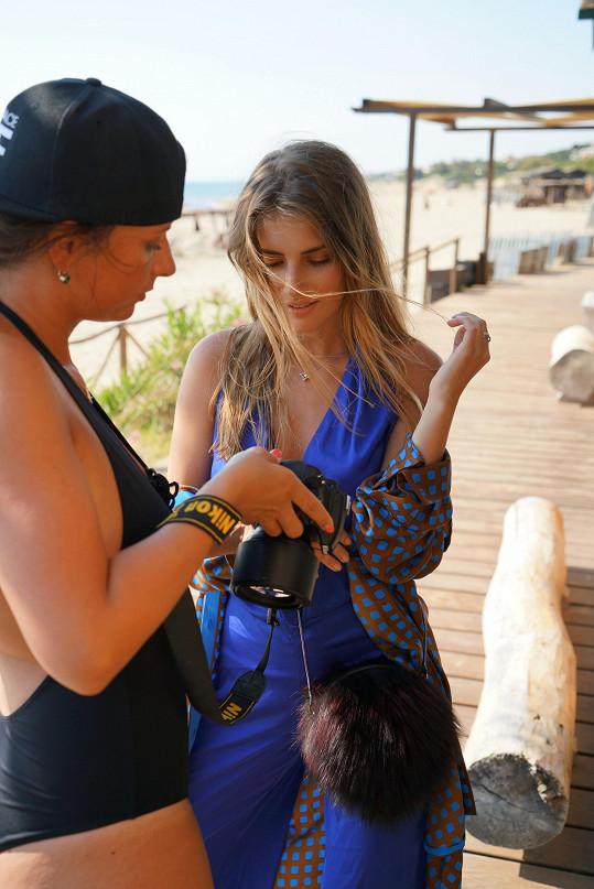 Veronika Volkeová kontroluje záběry.