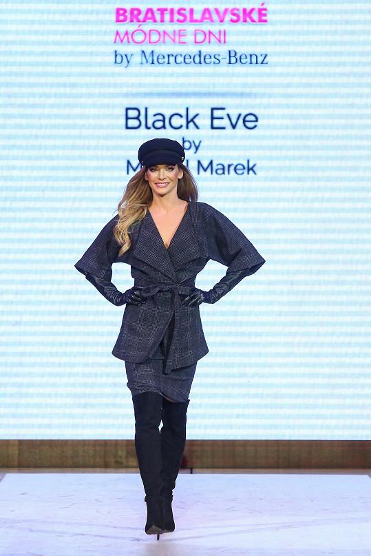 Sama prezentovala další řadu kolekce Black Eve.