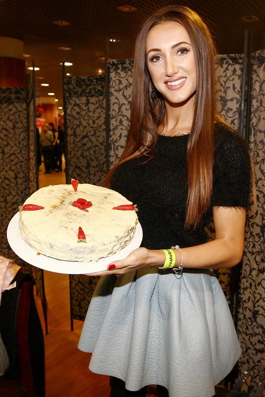 Tánin dort vypadal docela pěkně.