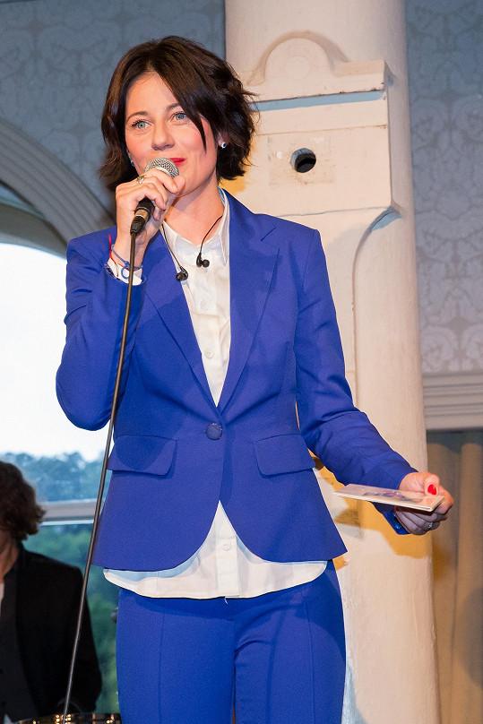 Dáša Zázvůrková vydala své druhé CD Mirákl 9, které obsahuje její autorskou tvorbu.