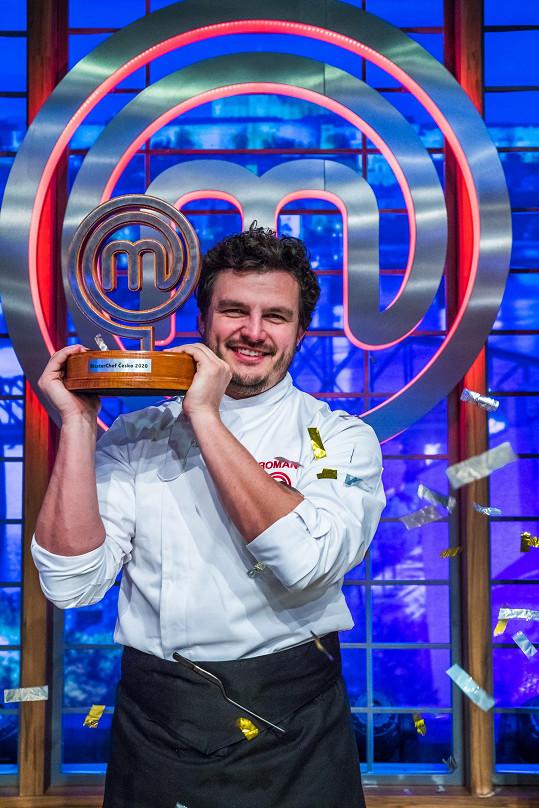 Roman Staša se živí jako kondiční trenér. Kromě toho je nyní šampionem amatérských kuchařů.