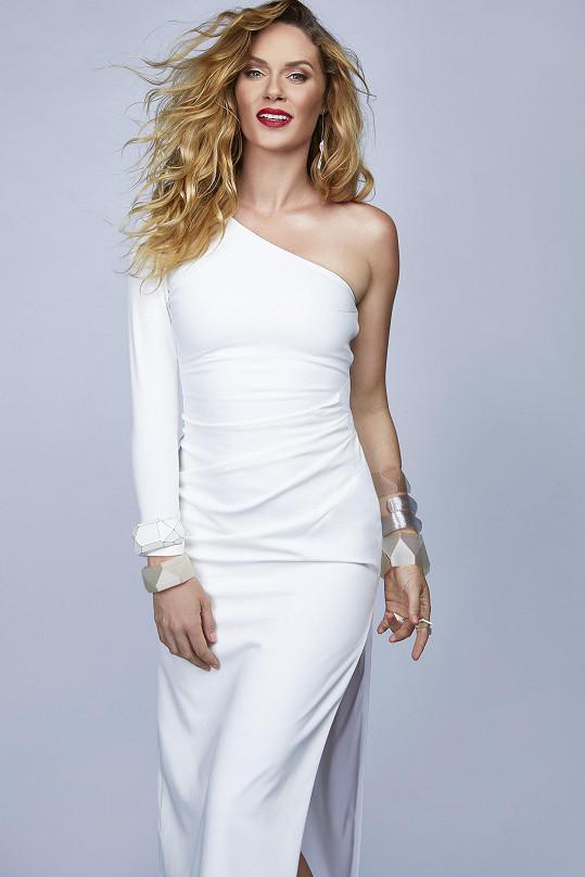 Nikol Moravcová je moderátorkou nové reality show Love Island.