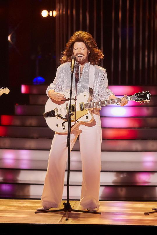 Norisová vypadala přesně jako Barry Gibb.