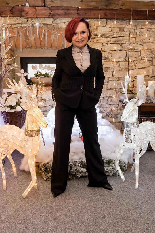 Petra Janů se letos rozhodla oslavit Vánoce v plné parádě.