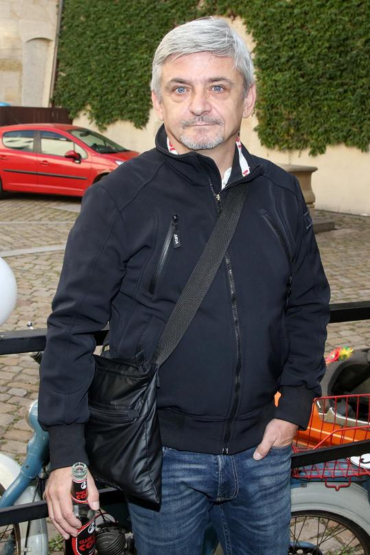 Večírek je Suchánkův režijní debut.