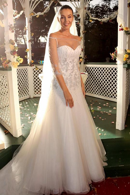 Iva Kubelková ve svatebních šatech