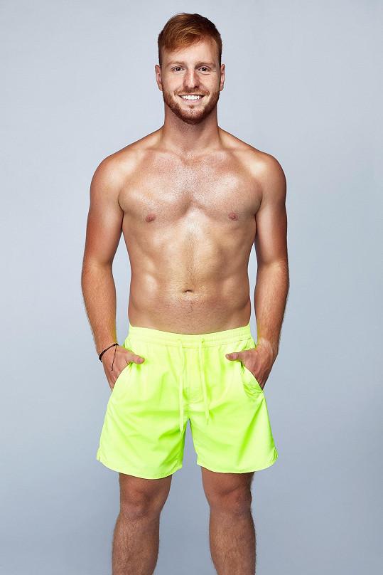 Vilém je jediný zrzek ve vile reality show Love Island.