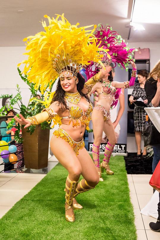 Oslava narozenin modelčina butiku se nesla v brazilském stylu.