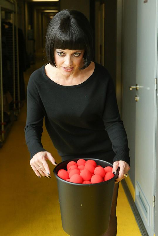 Lucie Bílá pojala kyblíkovou výzvu po svém...