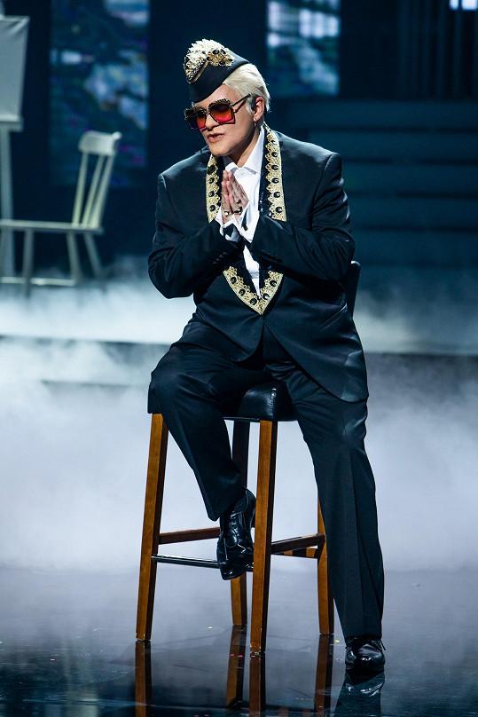 Jitka Čvančarová jako Elton John