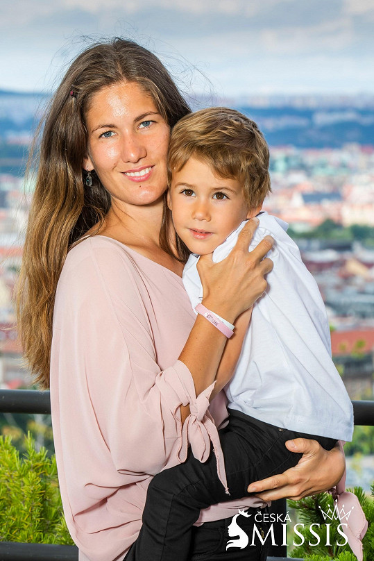 Dominika Adamcová se synem